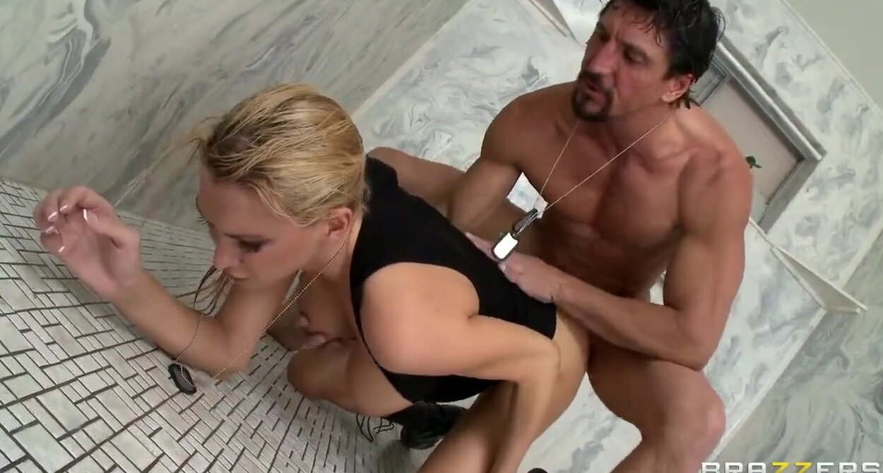 Армейский секс блондинка порно