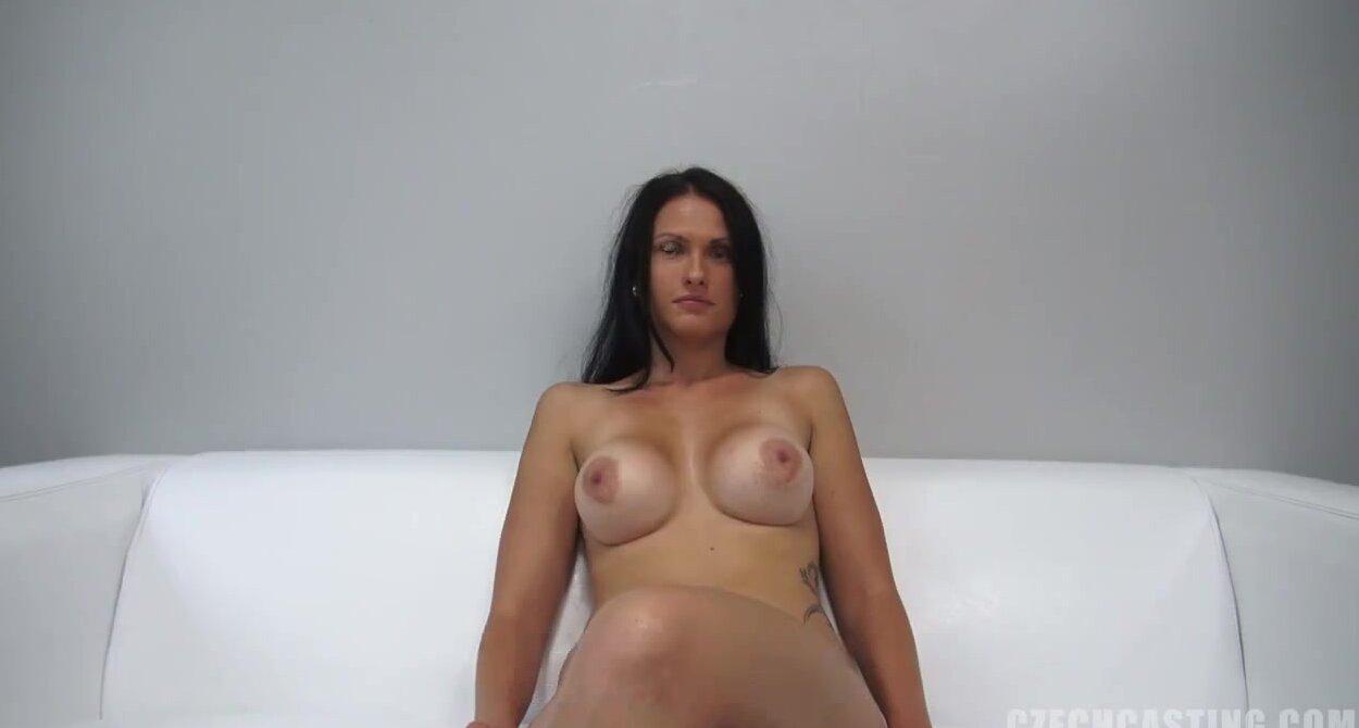 порно кастинг брюнетки фото