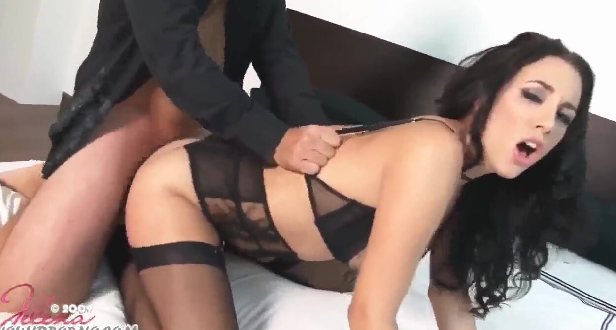 Смотреть порно онлайн с барменшей