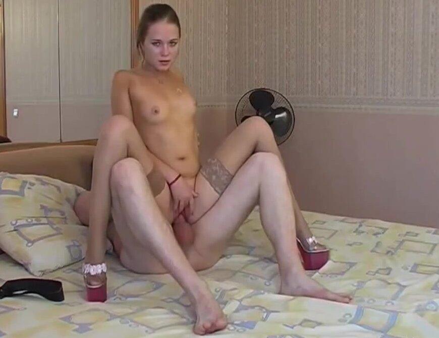порно в чулках в камере