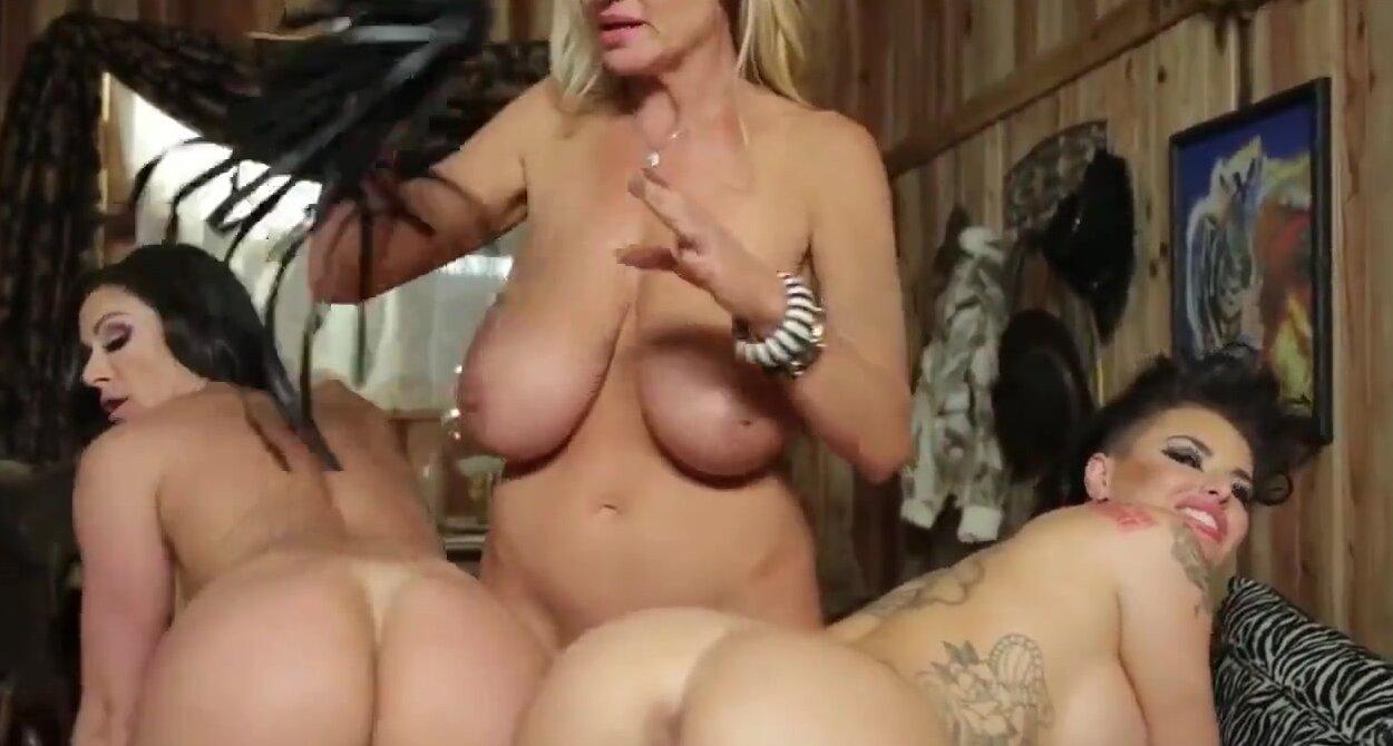 Порно трах лесбиянок