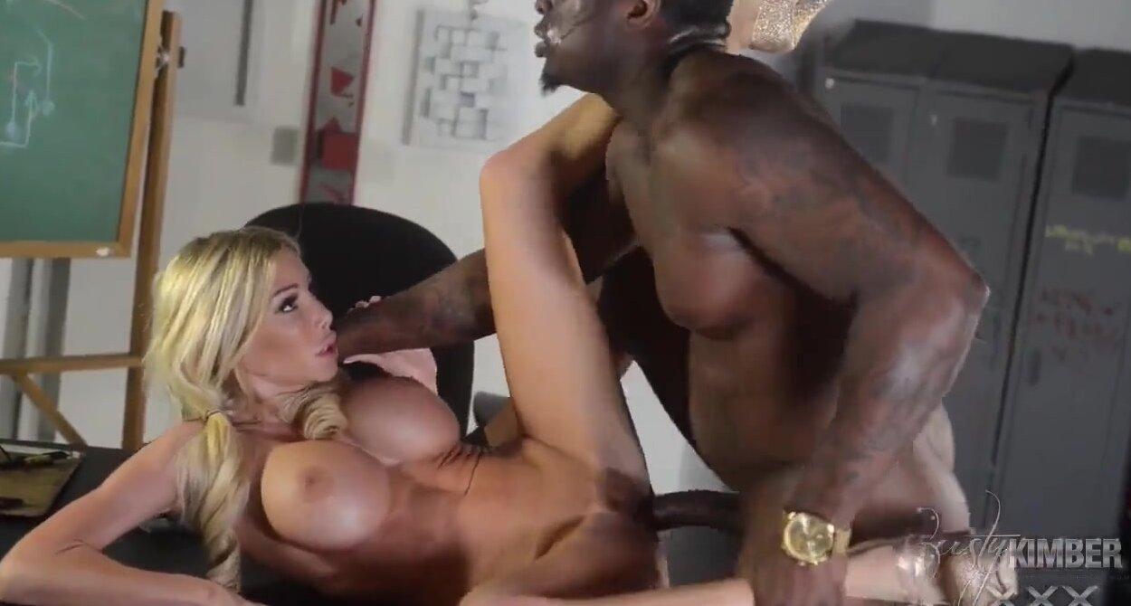 Молодые с красивыми сиськами порно