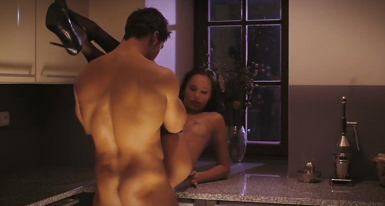 пара ночью видео порно
