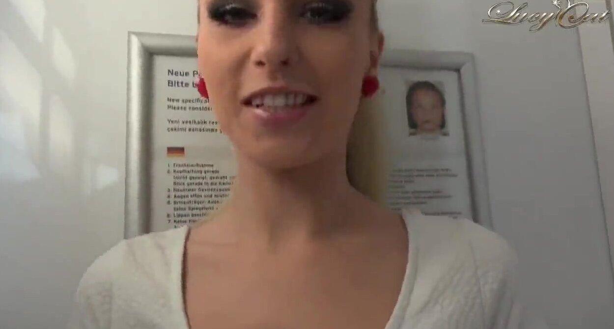 Порно онлайн промахнулся мимо пизды и попал больной в жопу