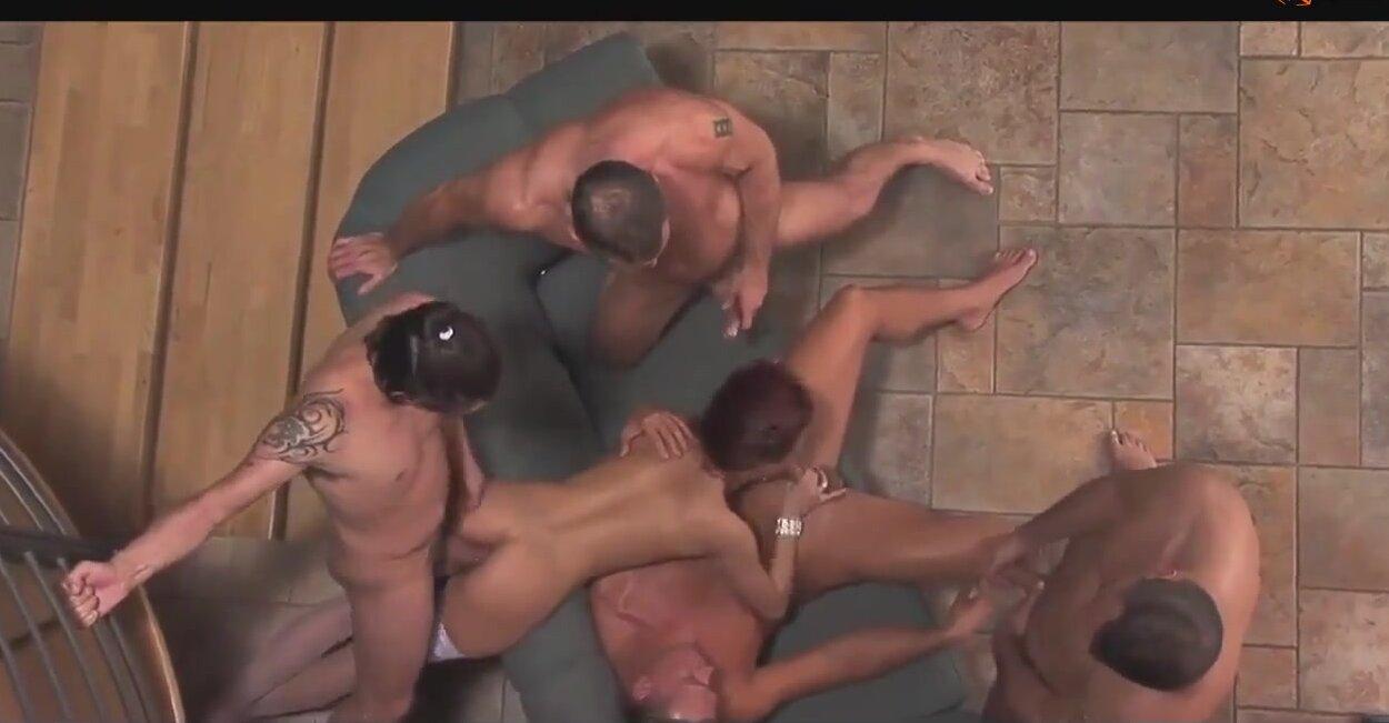 скачать порно оргию