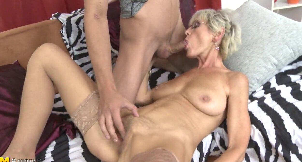 Порно видео со зрелыми женщинами. Голые взрослые тетки.