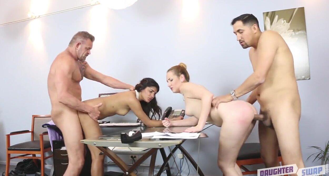 Фото секса на работе — 15