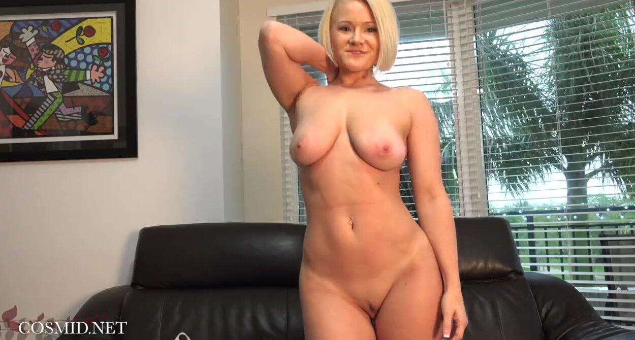 Самая сексуальная блондинка с идеальным телом видео