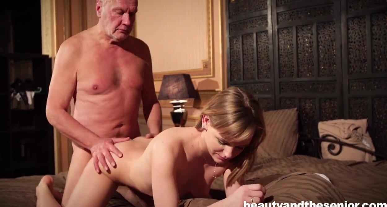 Порно пожилой мужик и молодая