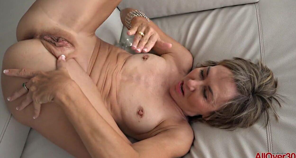 порно оргазм у зрелой женщины