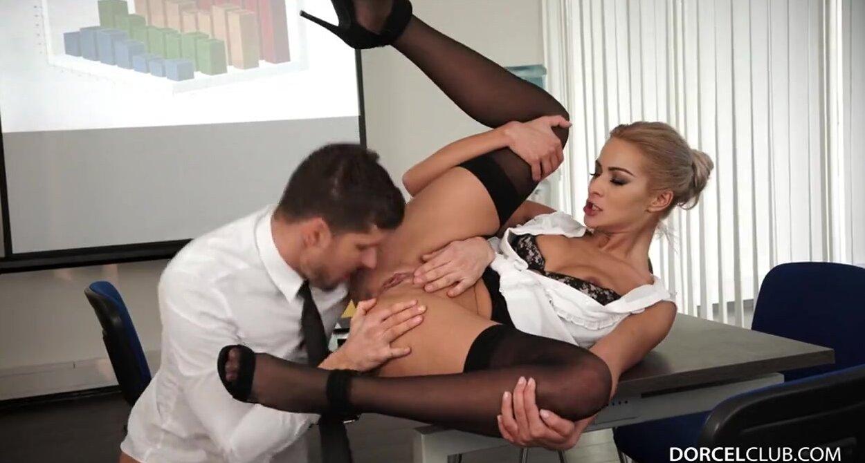 Дикий секс на работе
