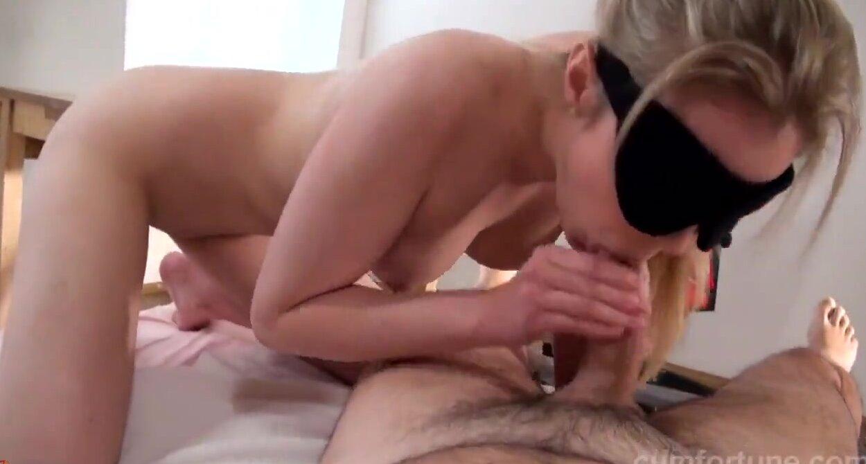 Русское порно с завязанными глазами