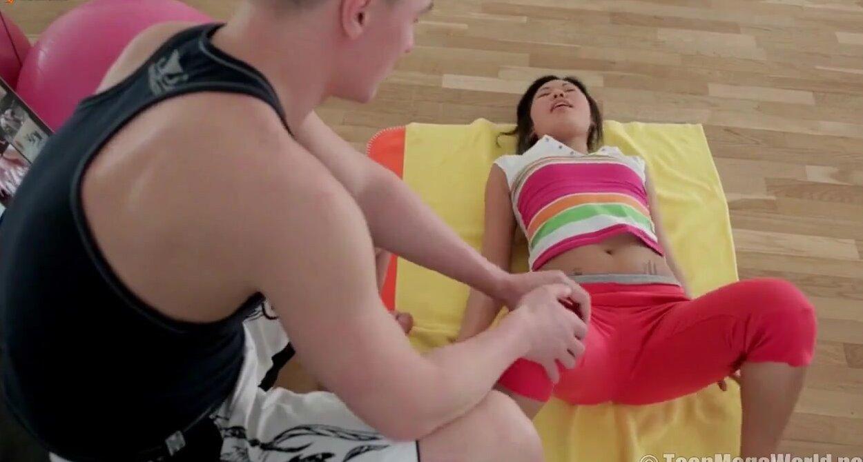 Молодые спортсменки секс