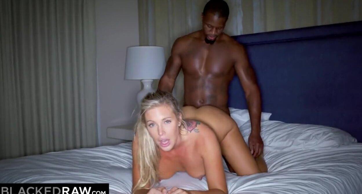 Межрассовое порно с огромным членом