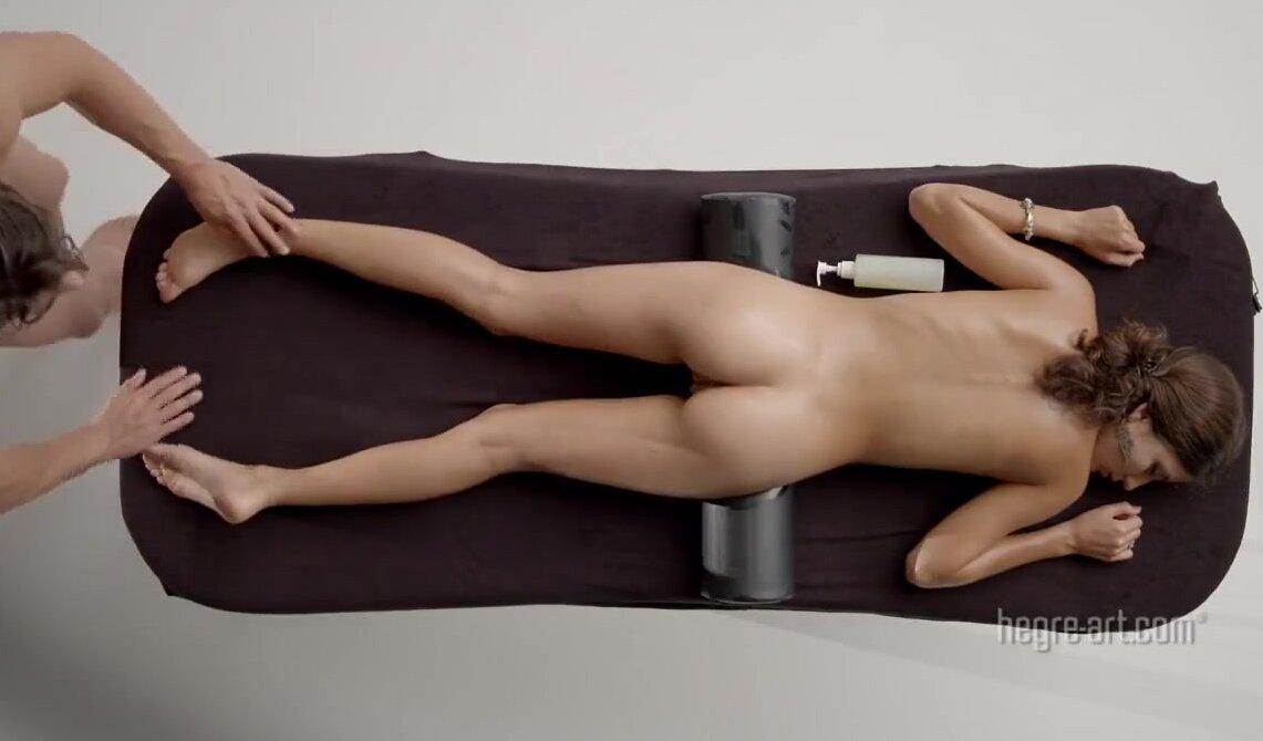 Смотреть порно массаж худенькой негритянки