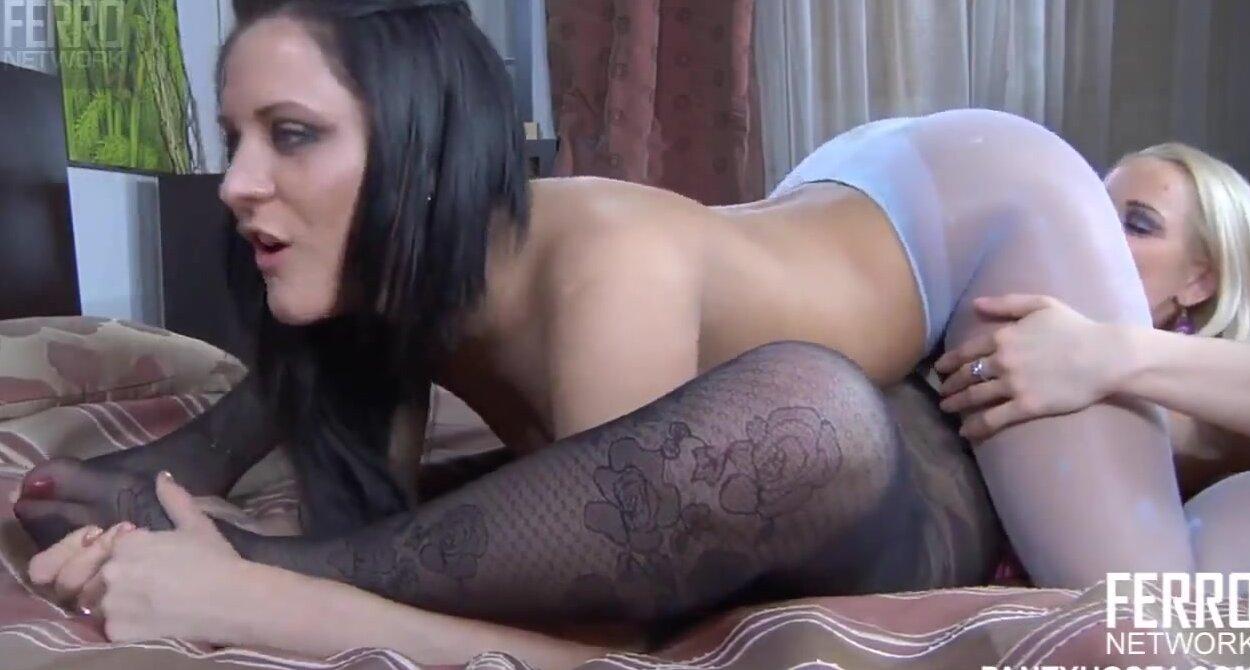 порно видео лесби с двойным страпоном