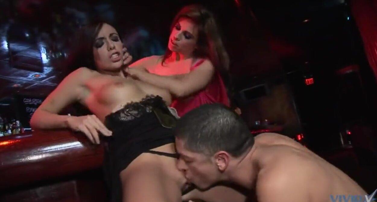 Развели русскую на секс в баре 25 фотография