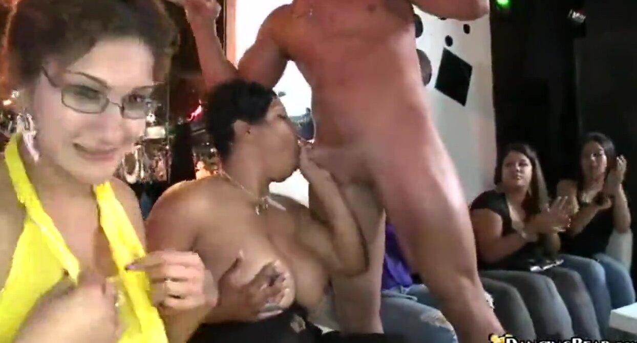 Отсос на порно вечеринки