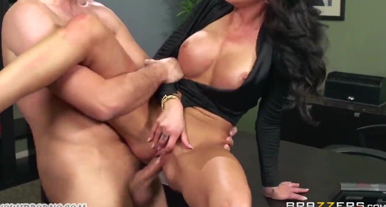 Секс сисястыми секреташами