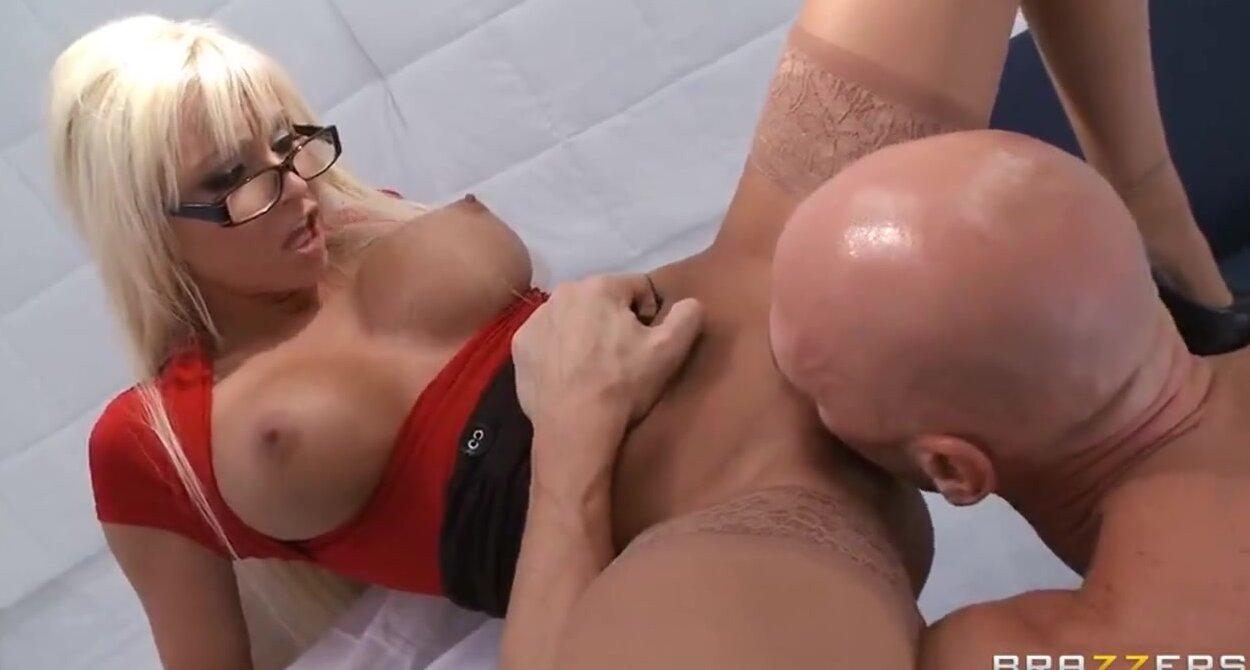 zhestkiy-lesbiyanki-fisting