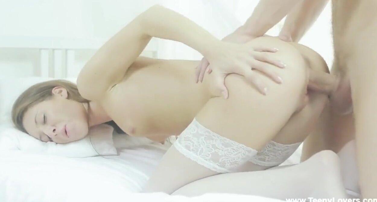 Смотреть онлайн бесплатно порно нежно вошел и кончил во влагалище 13 фотография