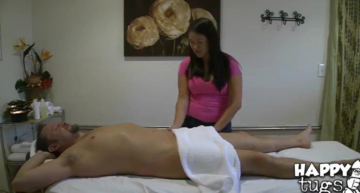 Секс массажистка видео в кабине