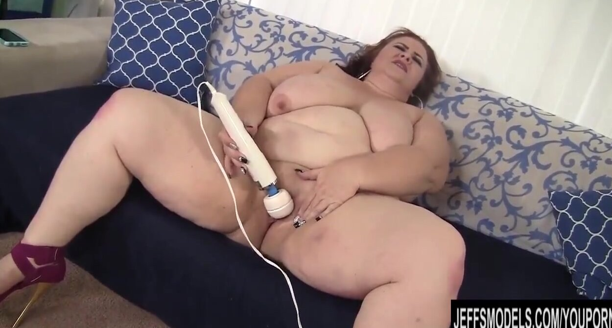 Старые лесбиянки трахаются видео