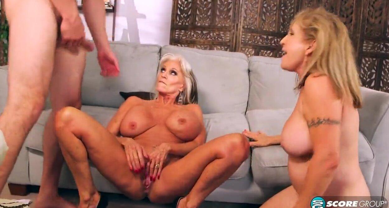Порно онлайн старушки в групповушке