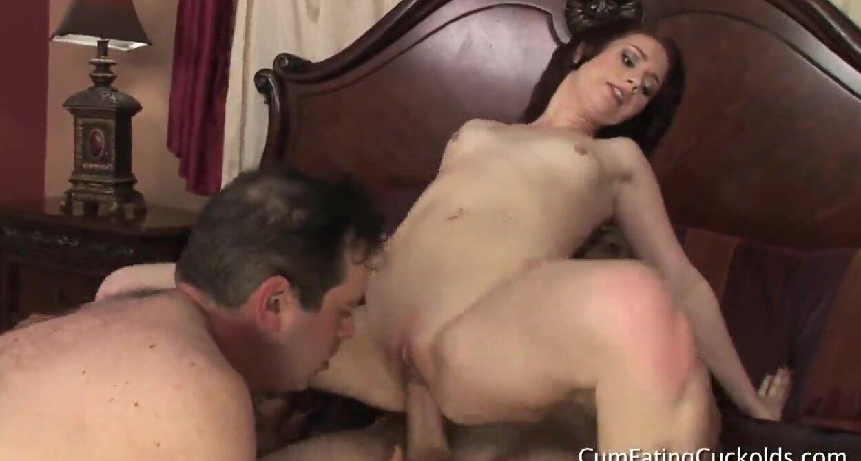 жена изменяет соседом порно