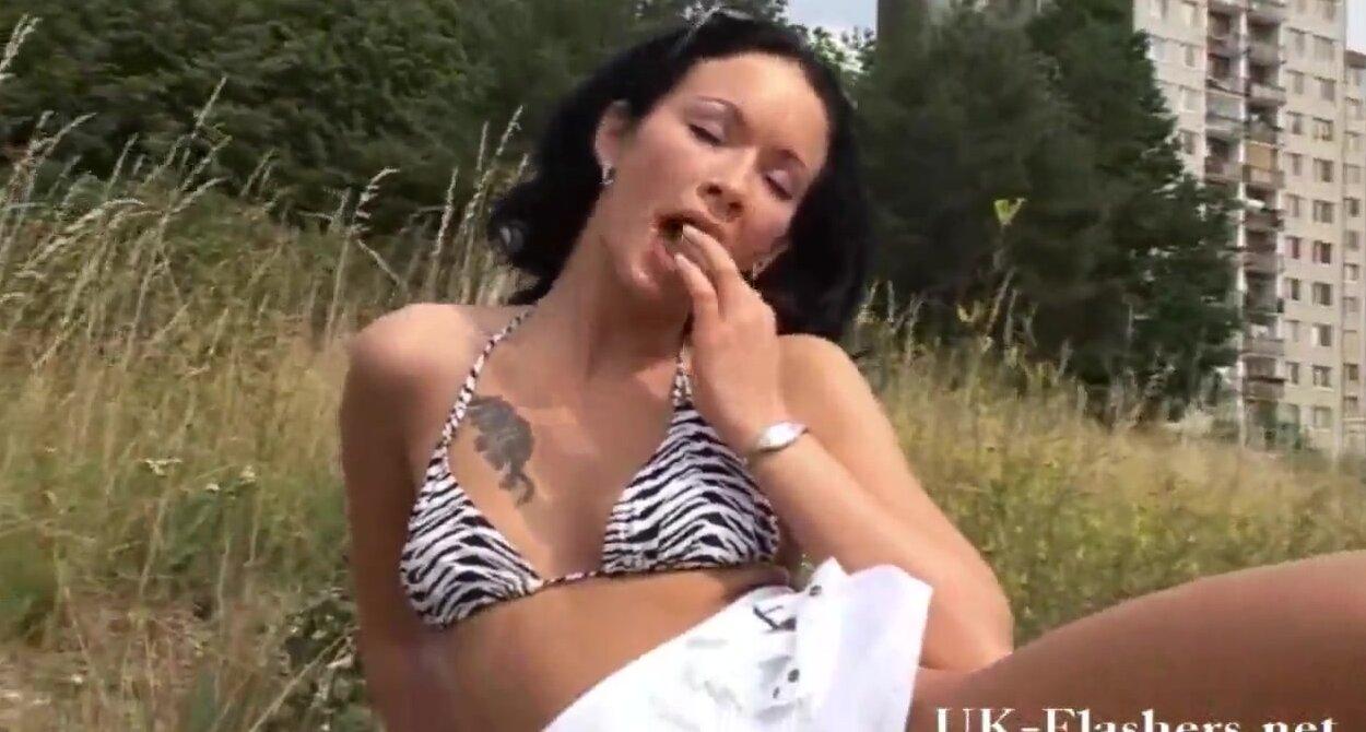 возле дороги порно видео