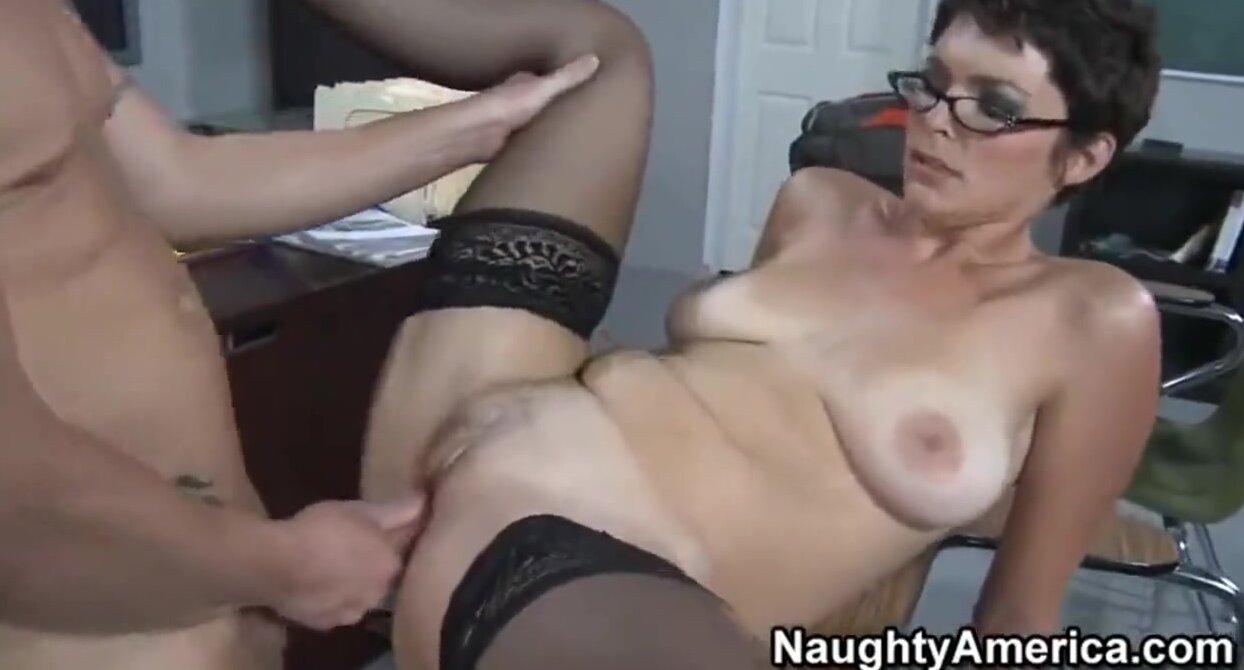 Секс видео настырная училка фото 246-923