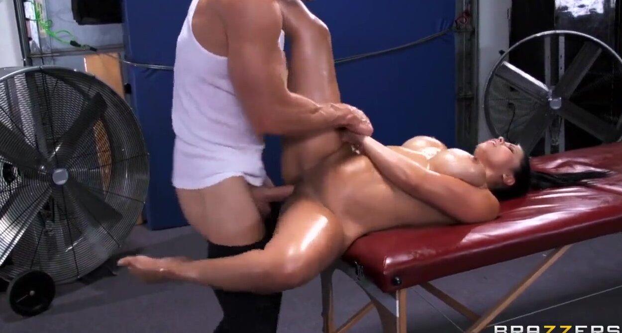 Порно массаж спортсменок