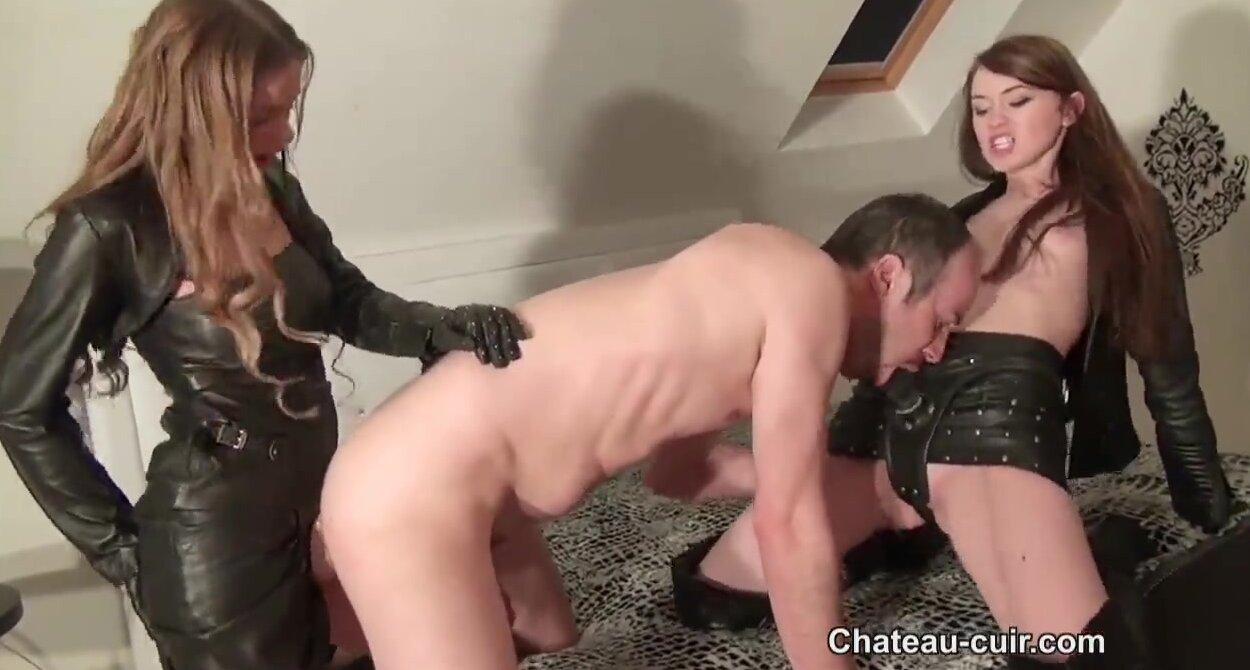 два мужика выебали ... - sexvporno.ru